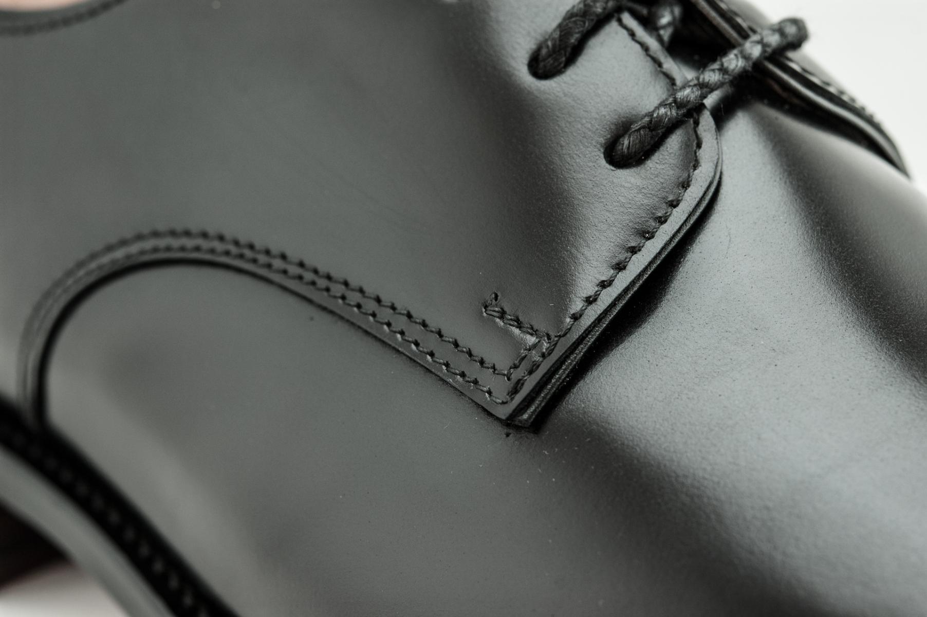 Patřím do třetí generace ševců zapojených do výrobních provozů ve Zlíně.  Inspirací pro luxusní obuv je mi především italský způsob výroby 459dd3dca7
